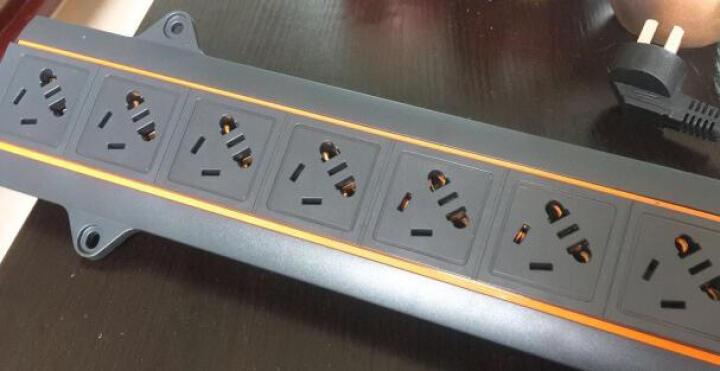 图腾(TOTEN)8位10A PDU 机柜电源分配器 多用插孔pdu电源 机柜专用插座 网络机柜PDU 带开关3米线 晒单图