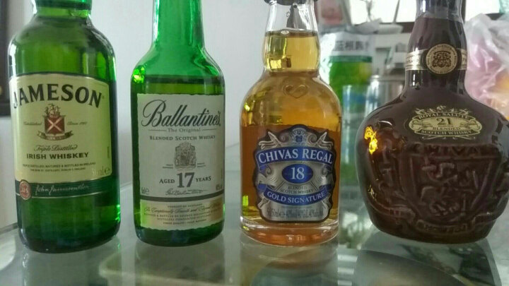 酒牧旗舰店 皇家礼炮(Royal Salute)威士忌 原装进口洋酒(小酒办酒版酒样) 皇家礼炮21年50ml(红色) 晒单图
