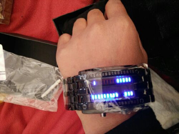 时刻美(skmei)时尚创意电子表led男士个性手表 男女情侣学生时装手链运动表夜光防水表 防水大号黑 晒单图