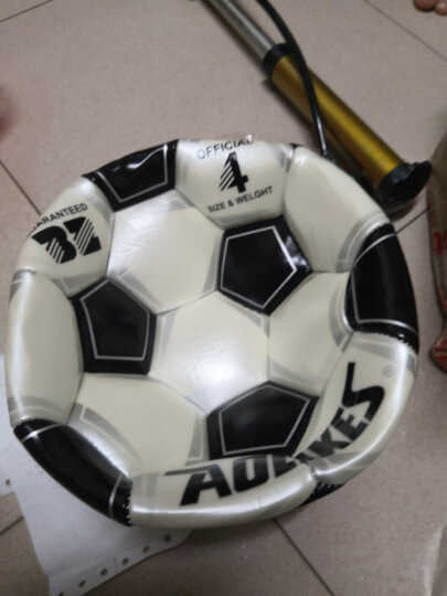奥力克斯(AOLIKES)成人4号足球PU训练比赛用球4号小学生儿童足球耐磨配气筒针 黑色4号球配气筒气针 晒单图