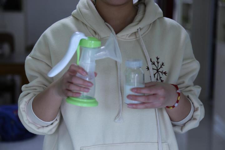安朵(ARDO) 手动吸奶器产妇挤奶器大吸力吸乳器拔奶器母乳收集器 手动吸乳器 晒单图