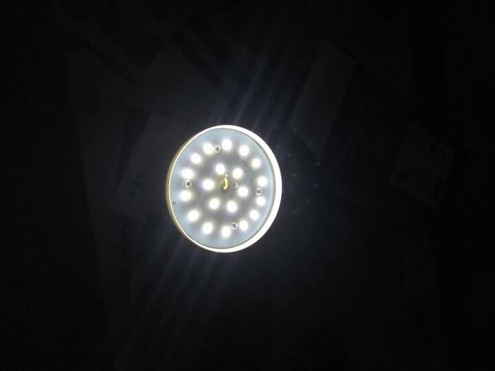 户外照明灯露营灯野营灯停电应急灯家用太阳能充电灯泡夜市LED摆摊地摊照明超亮节能 太阳能款:100W42灯珠内置4锂电池 晒单图