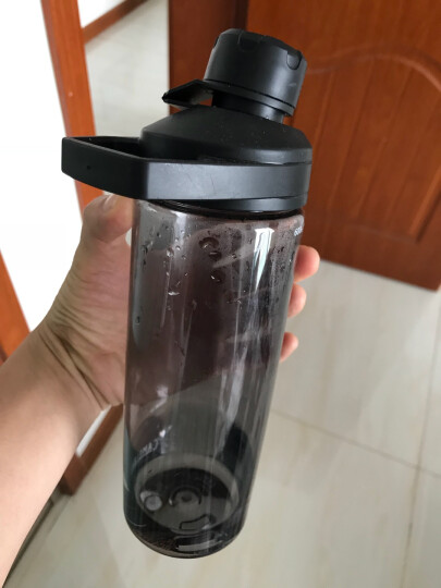 【2018换代升级】驼峰(CAMELBAK) 美国户外运动水壶大容量水杯塑料水瓶 09476橄榄绿1000ml 晒单图