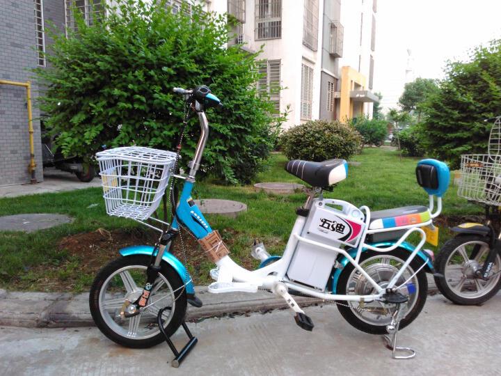 五迪电动车 48V才子四代 电动自行车 超威电池 纳米蓝 高光白 晒单图