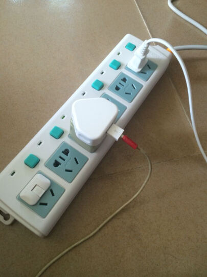 六孔单排电源插座接线板