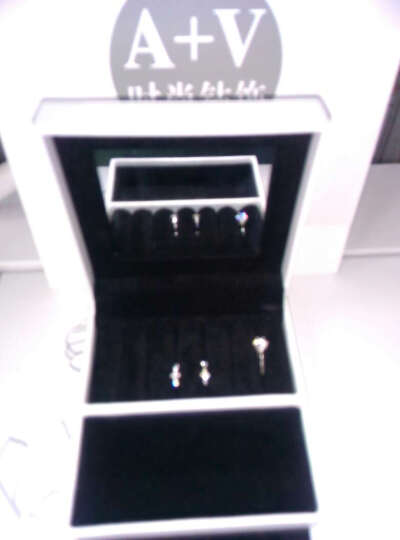A+V 白18k金南非天然钻石耳钉耳环十字架经典碎钻小耳圈专柜正品 钻石总分22分 耳圈外径11毫米 晒单图