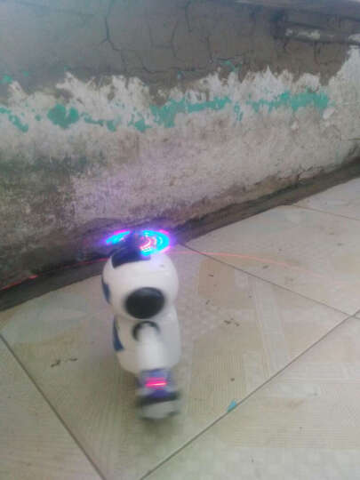 【包邮】劲风旋舞者儿童机器人会唱歌跳舞旋转舞蹈灯光音乐电动智能玩具 白色 晒单图