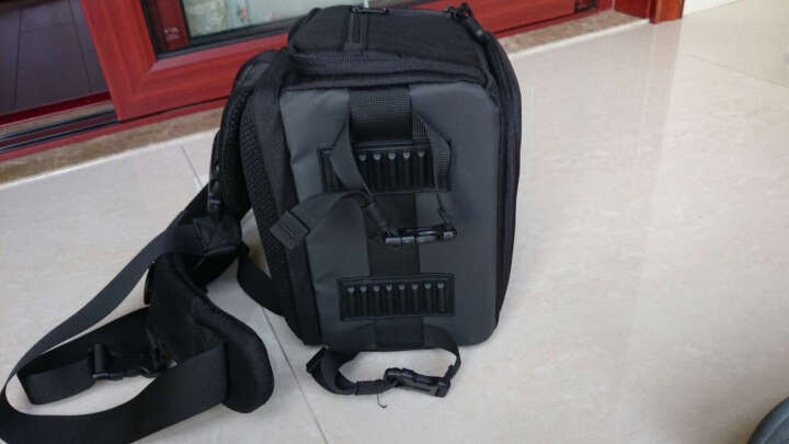 锐玛(EIRMAI) D2820单肩相机包摄影包单肩斜跨单反包快速侧取防水 蓝色 晒单图