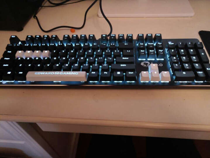 EDG旗舰店 AKS104机械键盘  Akko经典黑背光青轴黑轴lol游戏键盘 经典黑国产青轴 晒单图