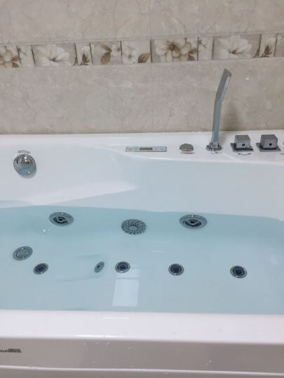 尚雷仕(SUNRANS) 小户型浴缸 成人家用气泡冲浪按摩浴缸恒温加热浴缸 亚克力浴盆 简约实用+龙头五件套 1380*750*630mm 晒单图