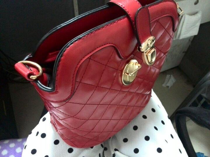 东芭 2017新款时尚单肩包潮流糖果色单肩斜跨女士包包斜挎小包 酒红色B95 晒单图