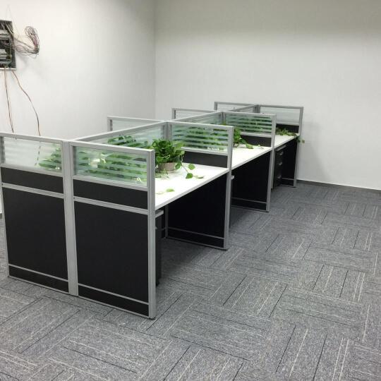 弘旺现代简约上海办公家具 职员办公桌椅组合 电脑桌员工桌 屏风隔断4人工作位办公卡座 工字型2人带柜 晒单图