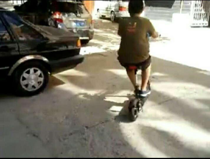 飞轮威尔 成人电动滑板车  锂电折叠电动车 迷你代驾电动平衡车 T2-10英寸黑色18AH-50KM赠座椅 晒单图