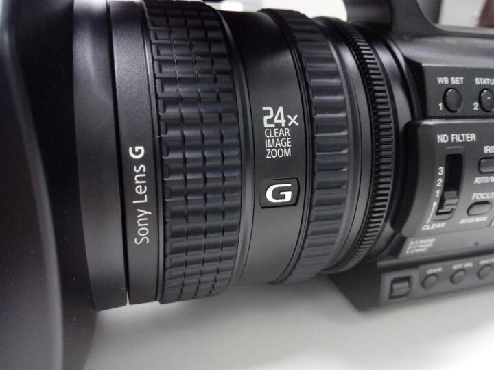 索尼(SONY)HXR-NX100 1英寸CMOS专业便携式摄录一体机 婚庆 直播 团拜会 会议记录 晒单图