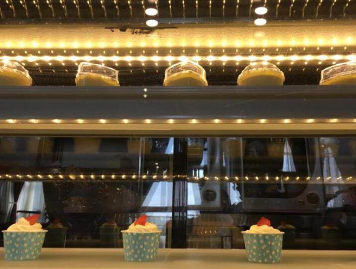 乐创(lecon)商用蛋糕柜冷柜冷藏保鲜柜台式除雾玻璃陈列柜水果饮料寿司熟食柜面包展示柜 白色直角风冷带防雾 后开门0.9米*0.68*1.2(落地式) 晒单图