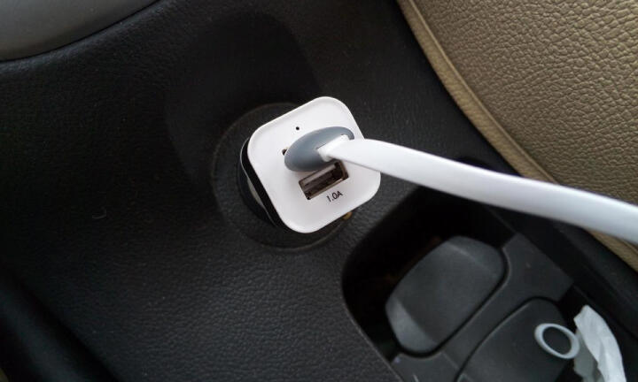 麦车饰 汽车用品车内饰品车上用品超市车载装饰 CC-030 智能数显-灰色 车载充电器 晒单图
