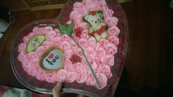 芙洛生日礼物女生情人节礼物送女友老婆闺蜜情侣新年实用99朵玫瑰花心形礼盒创意礼品 红色玫瑰花心形彩灯礼盒92DH 晒单图