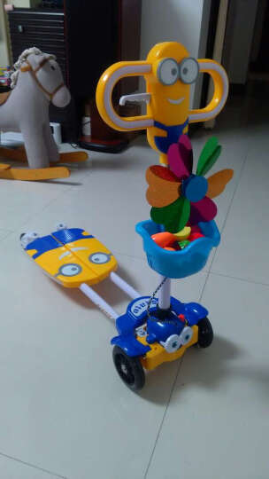 小黄人蛙式儿童滑板车四轮闪光可折叠剪刀车宝宝扭扭车滑行车儿童摇摆车 天蓝色 晒单图