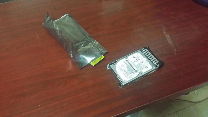 联想(Lenovo) IBM服务器硬盘 System X86 专用2.5英寸热插拔硬盘 600GB 10K SAS 编号 90Y8872 晒单图