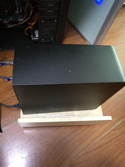 麦沃(MAIWO) K8FSAS 磁盘阵列柜全铝 八盘位磁盘阵列支持串口硬盘阵列盒 存储服务器 全铝黑磁盘柜 含8块静音NAS级SATA III  6TB硬盘 晒单图