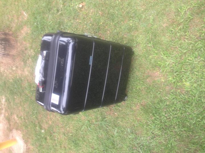 第九城(V.NINE)拉杆箱 万向轮行李箱登机旅行箱 静音万向轮 TSA海关锁 黑色-铝框箱(款式随机发货) 20英寸(特价清仓) 晒单图