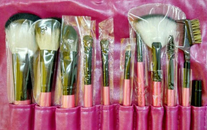 优家(UPLUS)11支专业彩妆动物毛化妆套刷(化妆刷 散粉刷 腮红刷 眼影刷眉刷唇刷) 晒单图