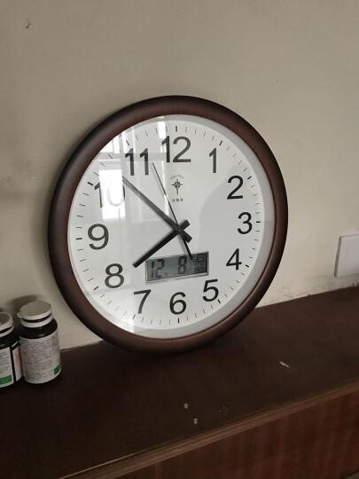 康品 钟表简约圆形电子挂钟客厅现代家用大气挂表静音万年历卧室石英时钟 6807木纹夜光 晒单图