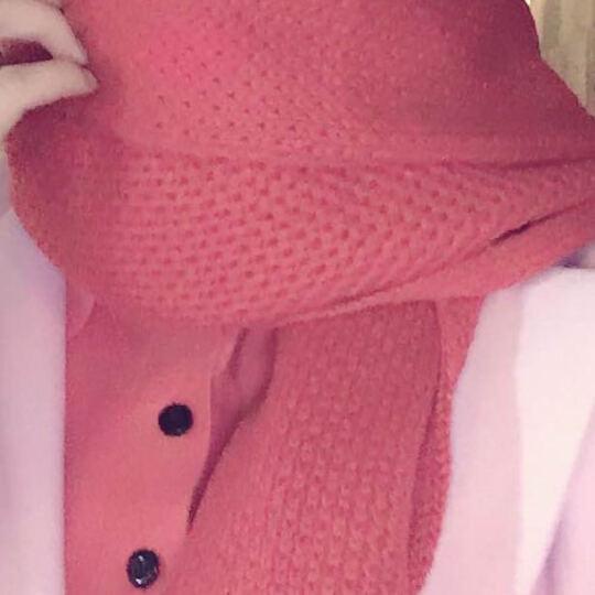 维言围巾女冬保暖毛线女士围巾针织围脖大毛球球纯色围巾 红色 晒单图