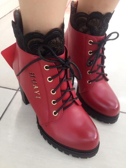 百灵天娇(BaiLingTianJiao) 短靴女秋冬新款蕾丝圆头粗跟高跟马丁侧拉链踝靴 红色 36 晒单图