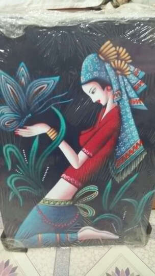 懐軒 现代客厅装饰画蜡染无框画艺术人物抽象卧室墙画沙发壁画少数民族少女床头单幅挂画 A-02 40*60-25mm布纹膜 晒单图