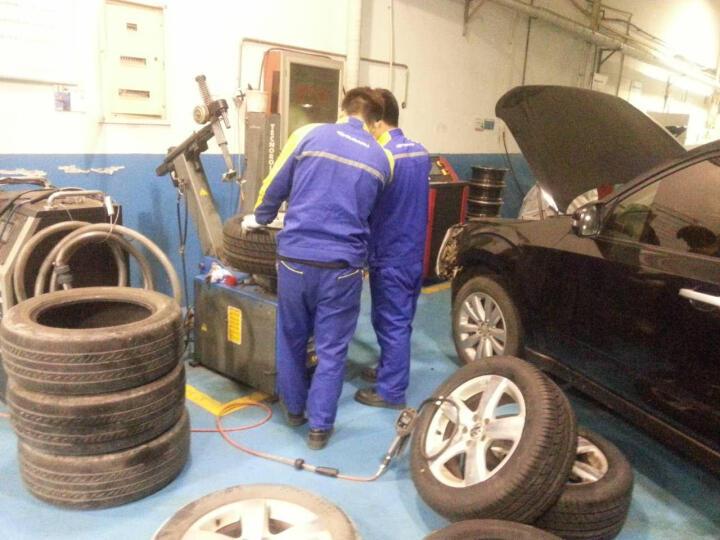 庞大养车 更换轮胎服务(17寸以下含17寸普通胎) 4S店施工含动平衡 四条 晒单图