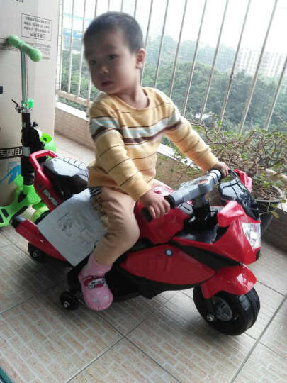 宝贝虎 新款儿童电动摩托车可坐儿童小孩三轮1-4岁宝宝电动玩具 升级红 晒单图