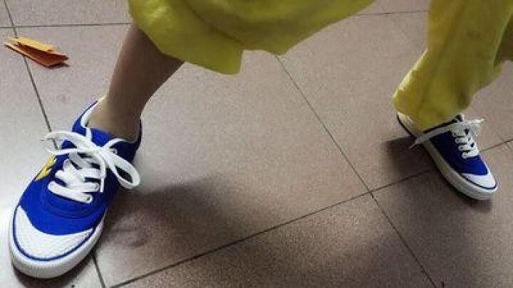 回力(Warrior) 男女儿童帆布鞋/儿童碎钉足球鞋/品牌童鞋 红色 35内长22cm 晒单图