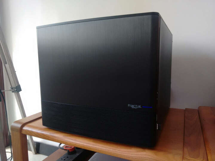 分形工艺(Fractal Design)Node 804 黑色 侧透机箱(MATX/双仓设计/自带三个120mm风扇/双USB3.0) 晒单图