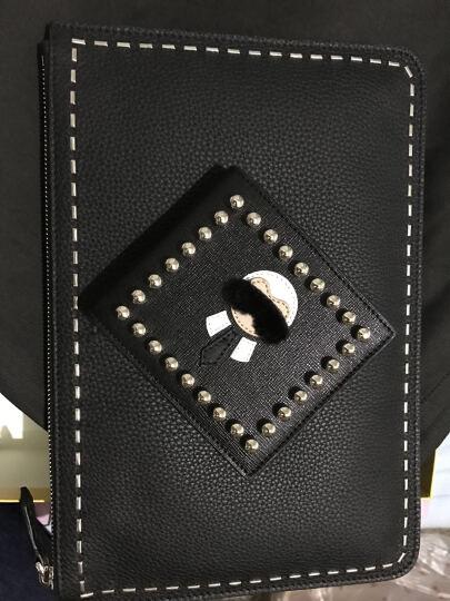 FENDI 芬迪 女士黑色牛皮铆钉时尚手拿包 8M0378 SFB F07NX 晒单图