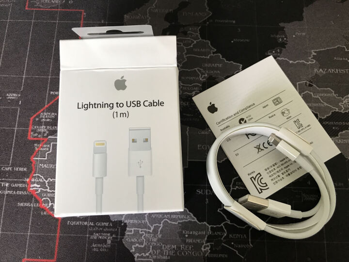 Apple 苹果原装数据线iPhone8/7/6/5S/Plus/X充电线iPad4/ 3.5mm耳机+数据线单条+5W充电器单个 晒单图