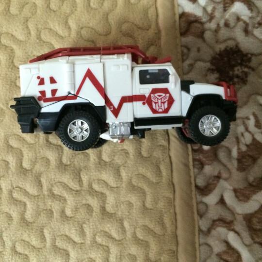 变形金刚4领袖级擎天柱大黄蜂漂移变形儿童玩具仿真模型 加强级AD15救护车 晒单图