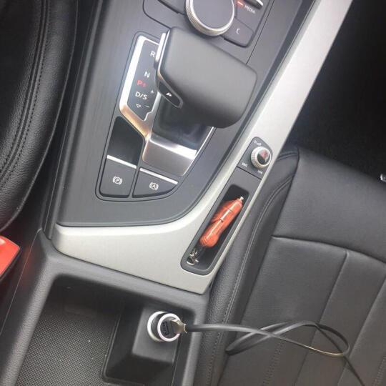 御千车载充电器车充 车充点烟器 双USB车充 电压检测LED数显 银灰【电压版 3.1A快充】 晒单图