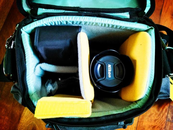 安诺格尔(ainogirl) 摄影包 单肩单反相机包适用佳能尼康相机 月牙形肩带独特造型 碳黑色 炭黑色三代_中号 晒单图