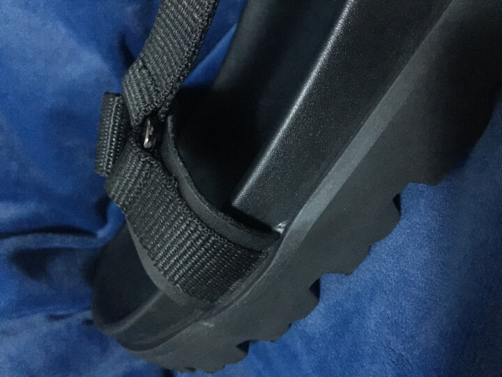 太平鸟男装 魔术贴男凉鞋夏季新款设计时尚舒适黑色橡胶鞋底 BWZE72307 黑色 40 晒单图