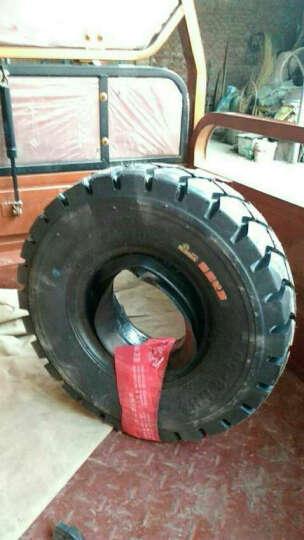 朝阳轮胎 3吨/3.5吨 4吨/4.5吨/5吨/5.5吨叉车轮胎 内胎 叉车胎 18*7-8 实心胎 晒单图