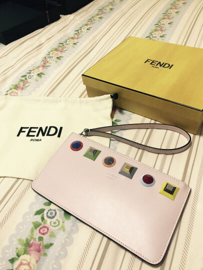 FENDI 芬迪 女士MINI POUCH W STUDS系列浅粉色皮质零钱包 8M0341 SR0 F07HE 晒单图