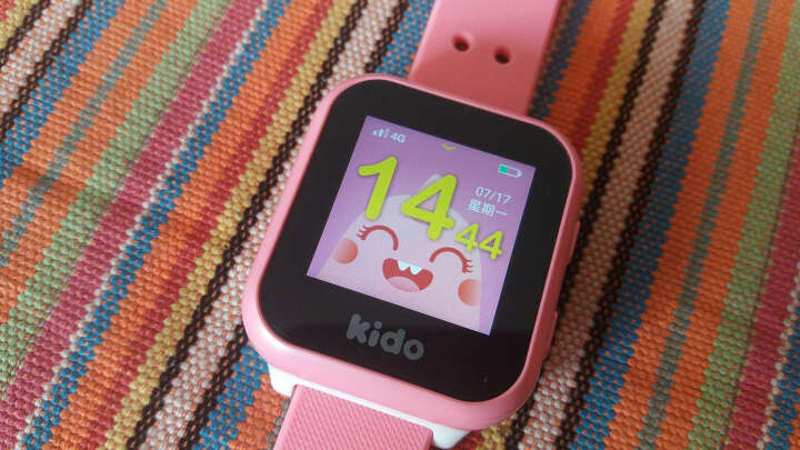 KIDO F2 儿童智能电话手360度安全防护 4G全网通 智能儿童电话手表 粉色 晒单图