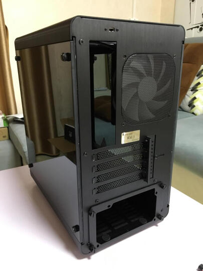 乔思伯(JONSBO)RM3 RGB光效版 黑色 M-ATX机箱 (支持主板同步光效/全铝外壳/双面5.0厚度钢化玻璃侧板) 晒单图