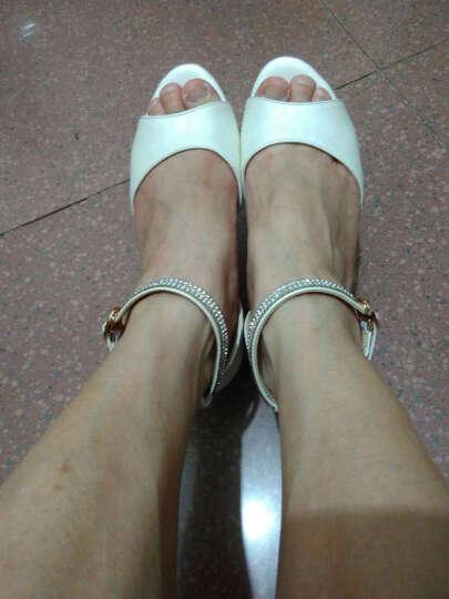 佑黛真皮凉鞋女夏季新款粗跟凉鞋女一字扣带水钻中跟鱼嘴鞋露趾百搭韩版大码女士罗马高跟女鞋 米白色 37 晒单图