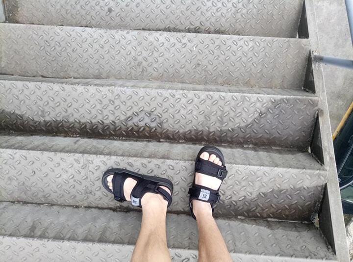 皓顿(HAUTTON)凉鞋男春季新款男士沙滩鞋透气休闲魔术贴凉鞋男款 蓝色 42 晒单图
