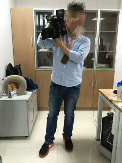索尼(SONY)肩扛式高清数码摄录一体机 婚庆 会议 索尼专业数码高清摄像机 HXR-MC2500 2500C MC2500 官方标配 晒单图