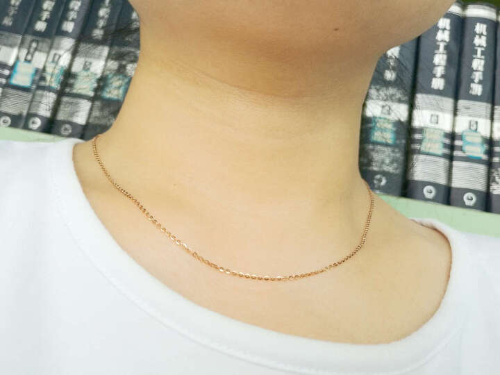 周大福 时尚秀美十字链 18K金项链 E106509 40cm 1180元 晒单图