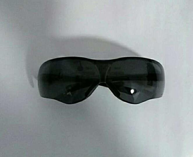 3M 10435 中国款 流线型防护眼镜 防灰/防风/防沙/防雾/防护眼镜(灰色镜片) 晒单图