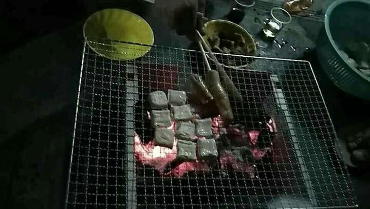 阿诗玛 云南建水现制现售新鲜石屏臭豆腐 烧烤油炸美食小吃 送蘸水 200块 晒单图